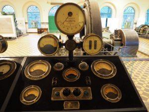 Zdjęcie pulpitu sterowniczo-pomiarowego